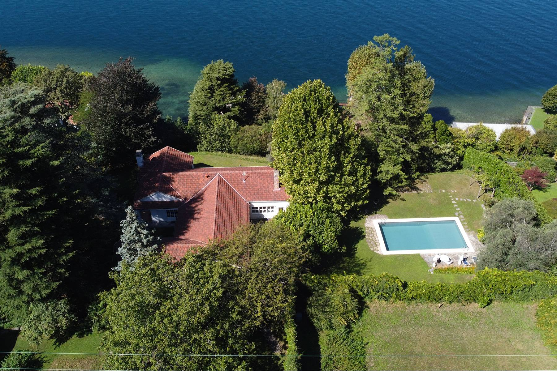 Splendida villa d'epoca con vista lago mozzafiato - 2