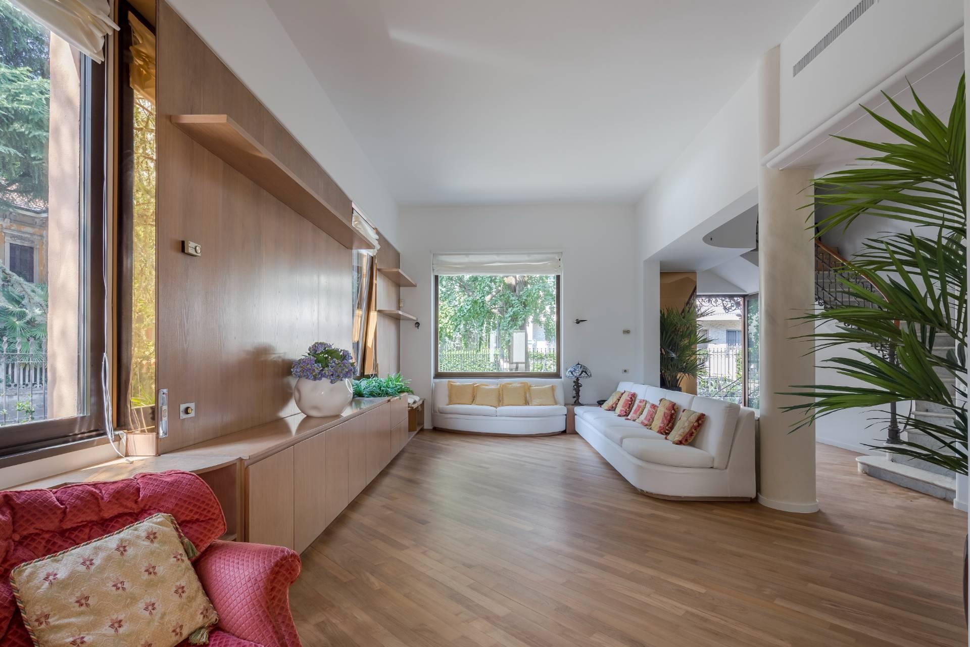 Freistehende Villa im Maggiolina Stadtviertel - 4