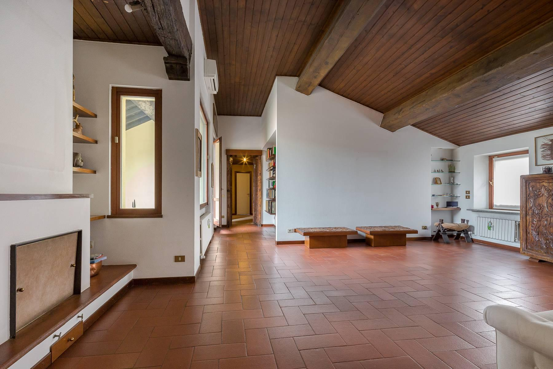 Charming penthouse with terrace a stone's throw from the Duomo - 6