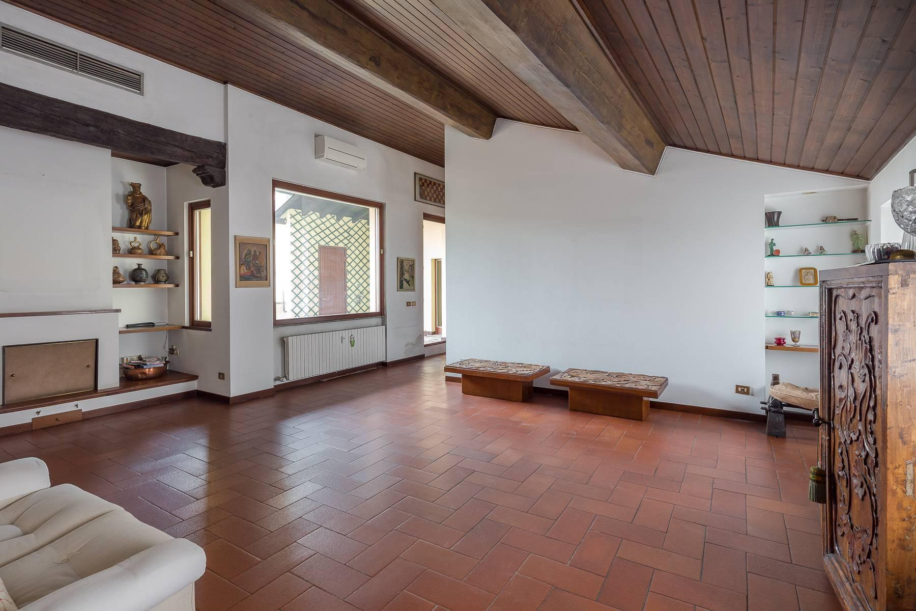 Charming penthouse with terrace a stone's throw from the Duomo - 3