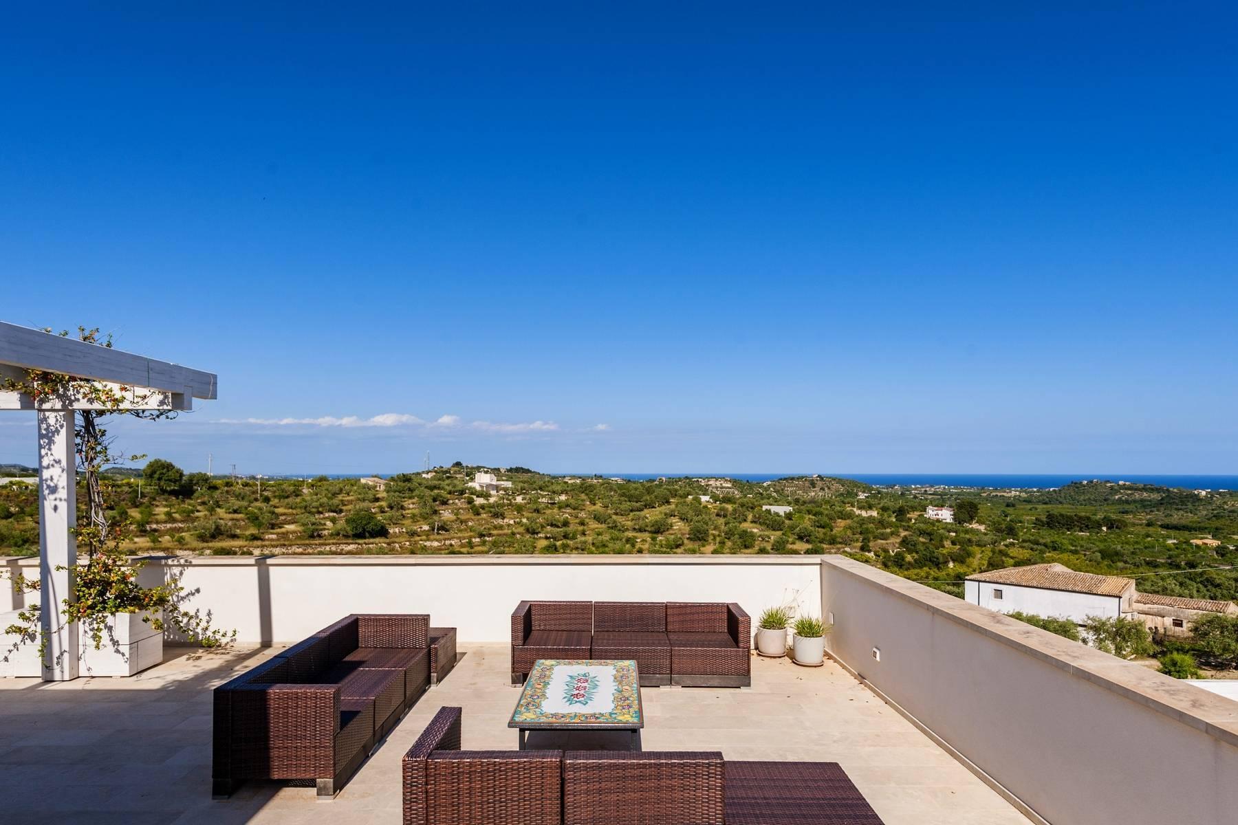 Moderne Villa mit Pool und Meerblick - 17