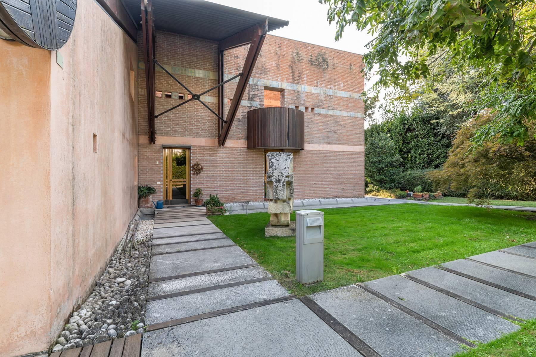 Raffinata Villa d'autore con giardino ed opere d'arte nel centro della città - 28