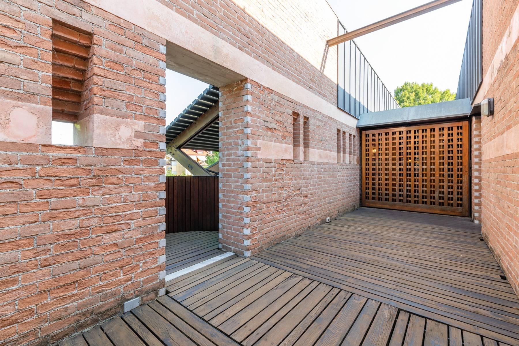 Raffinata Villa d'autore con giardino ed opere d'arte nel centro della città - 13