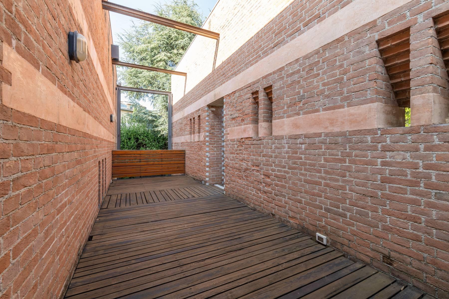 Raffinata Villa d'autore con giardino ed opere d'arte nel centro della città - 12