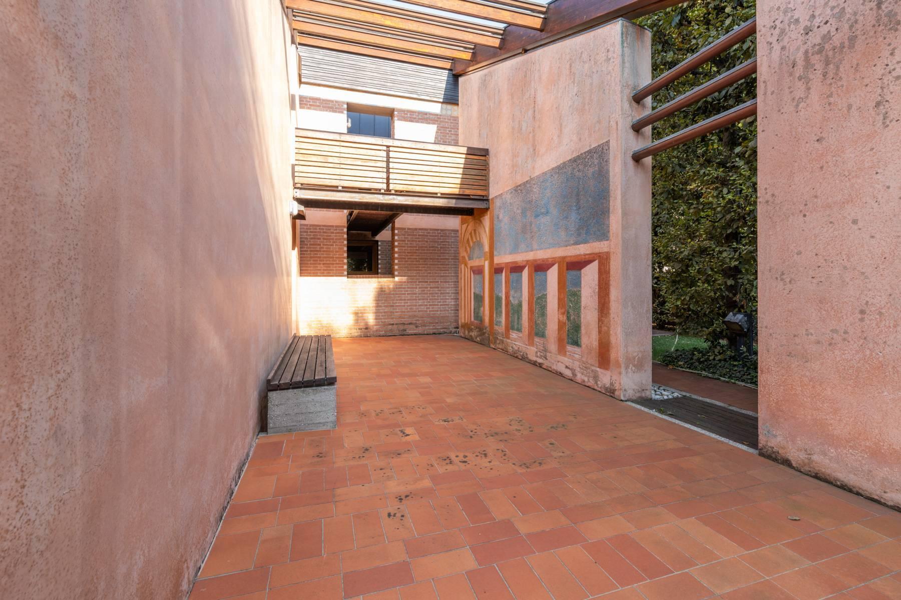 Raffinata Villa d'autore con giardino ed opere d'arte nel centro della città - 23
