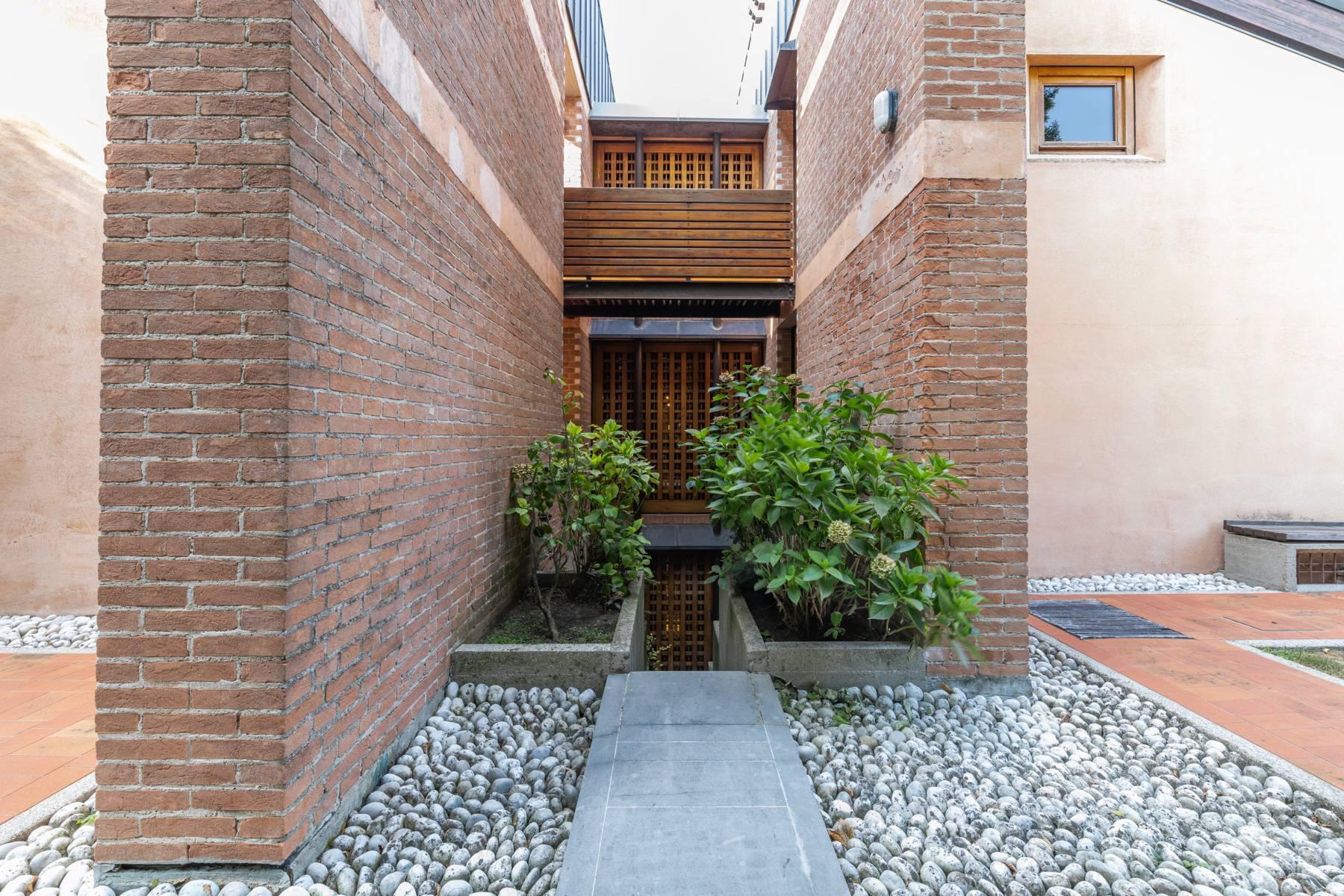 Raffinata Villa d'autore con giardino ed opere d'arte nel centro della città - 24