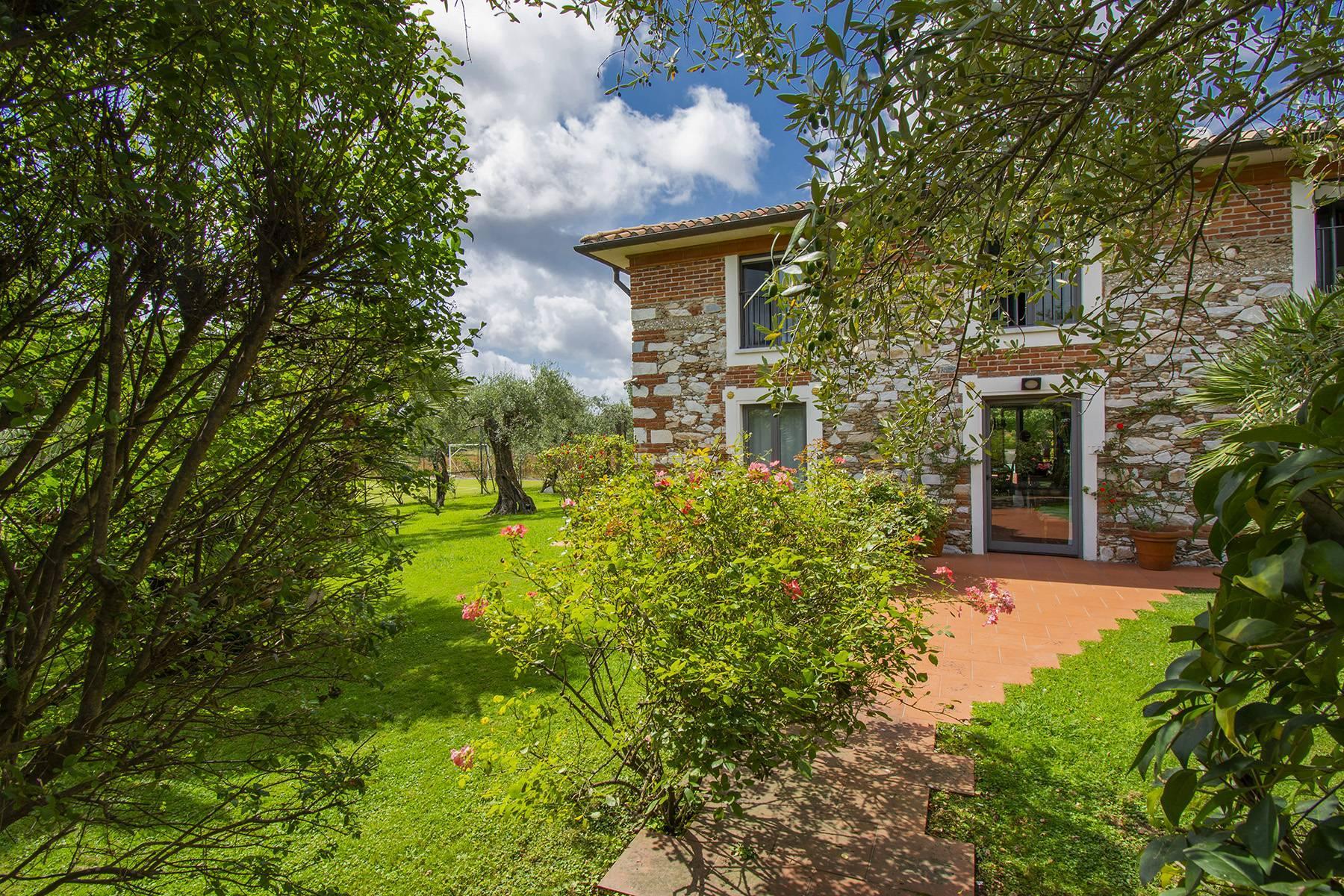 Villa with pool in Pietrasanta - 14