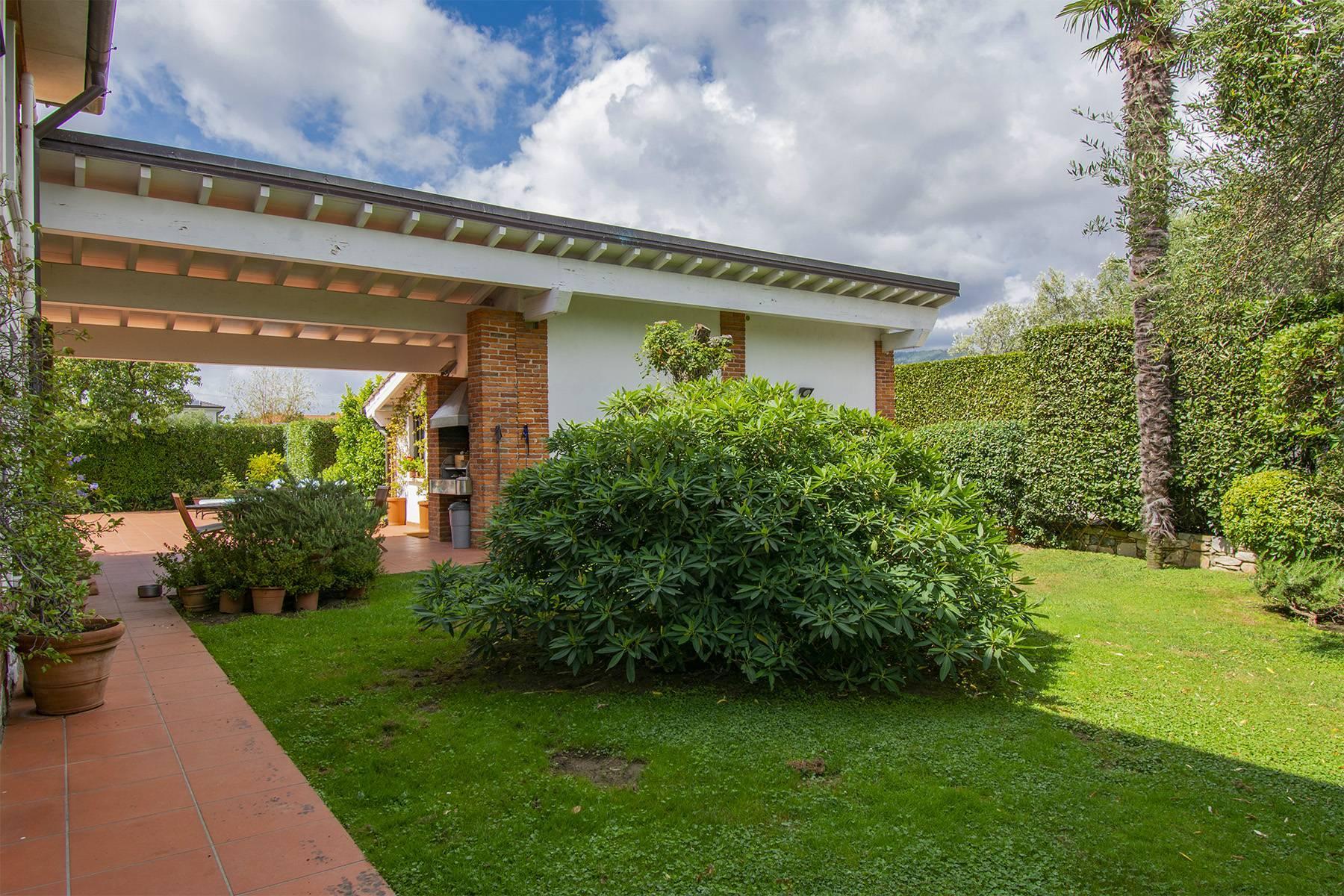 Villa with pool in Pietrasanta - 15