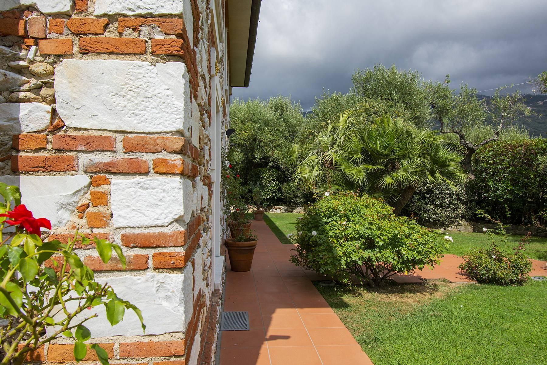Villa with pool in Pietrasanta - 16