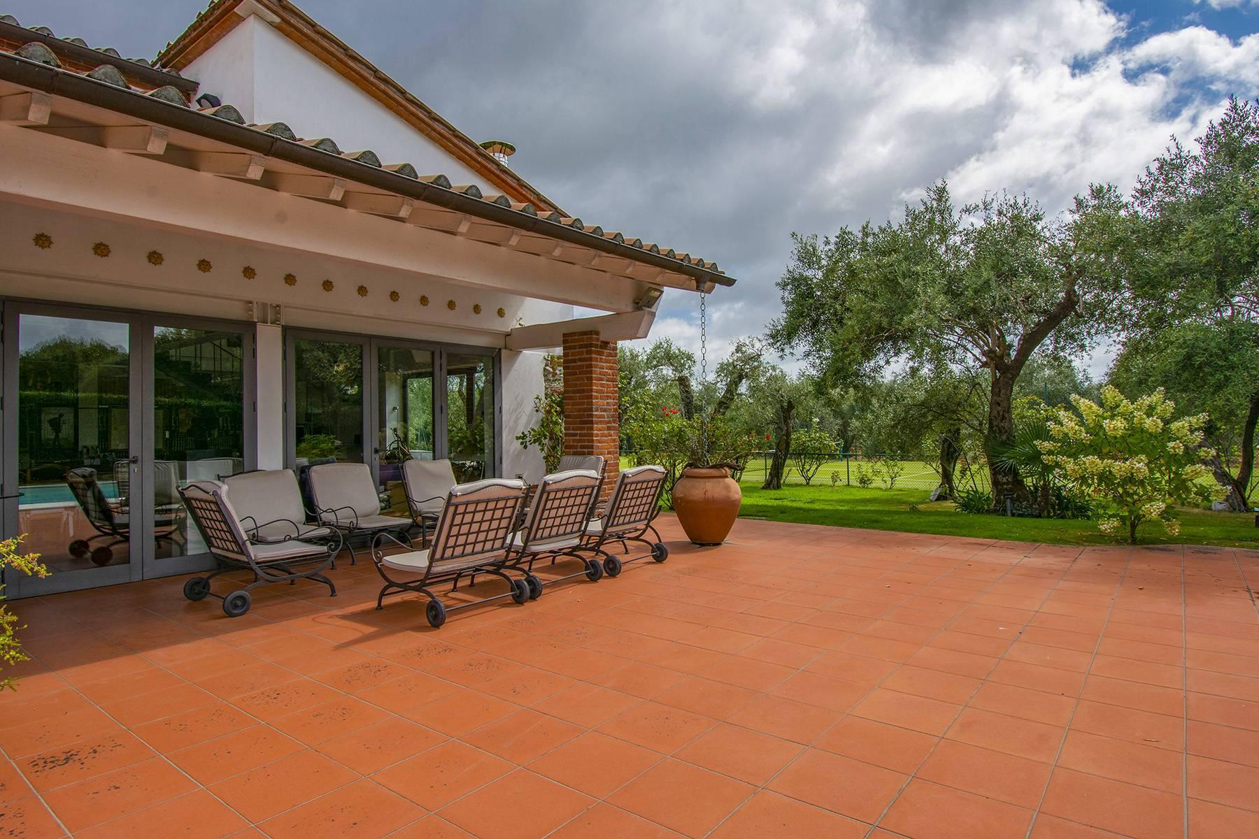 Villa with pool in Pietrasanta - 18