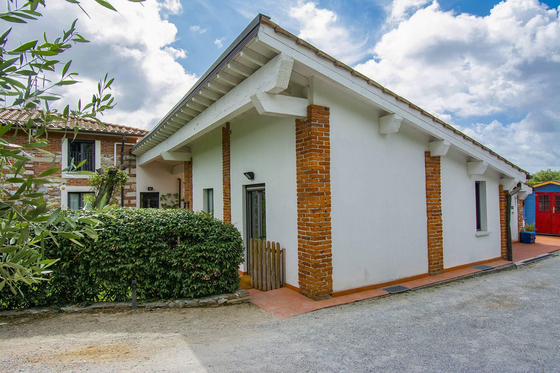 Villa with pool in Pietrasanta - 11