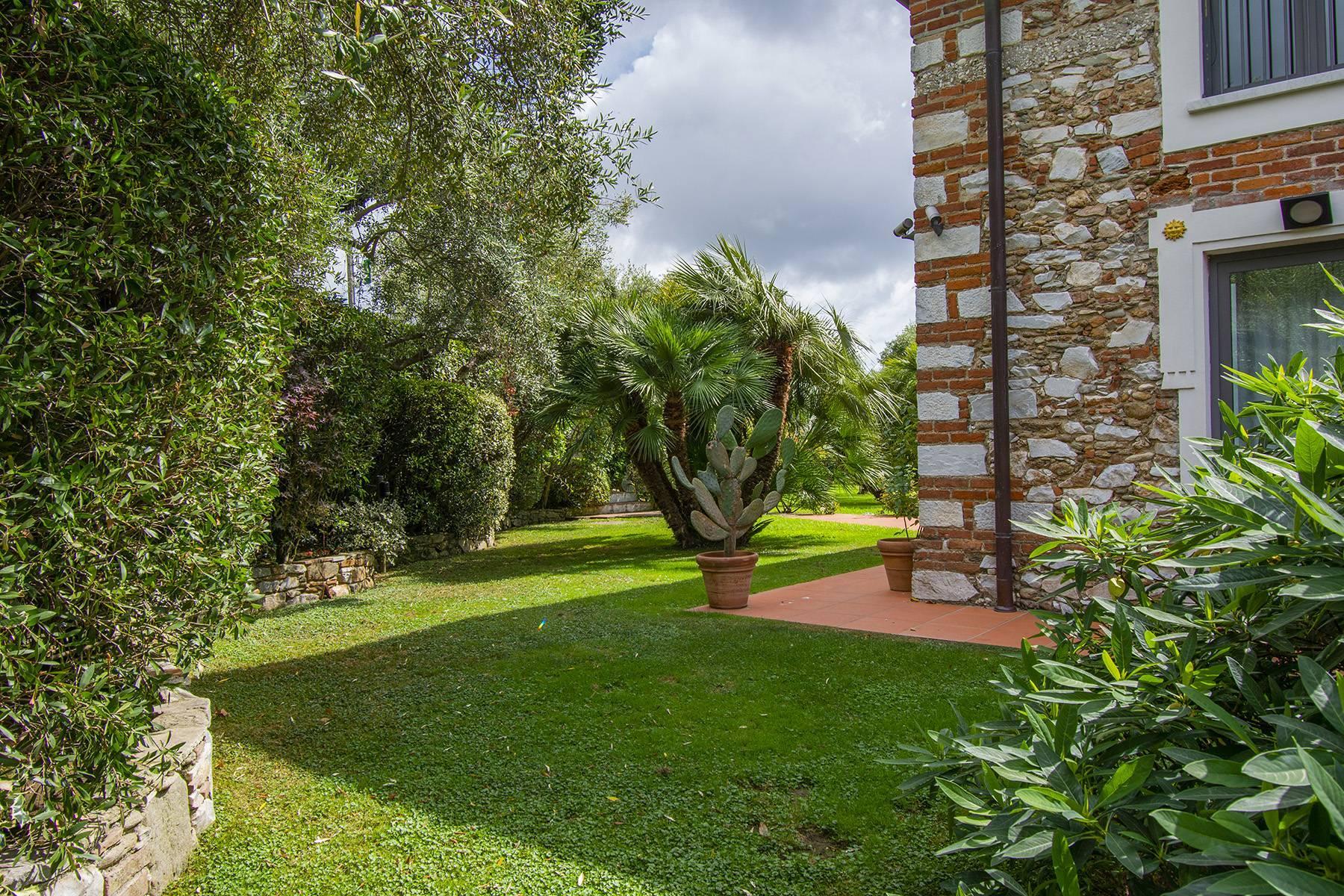Villa with pool in Pietrasanta - 21