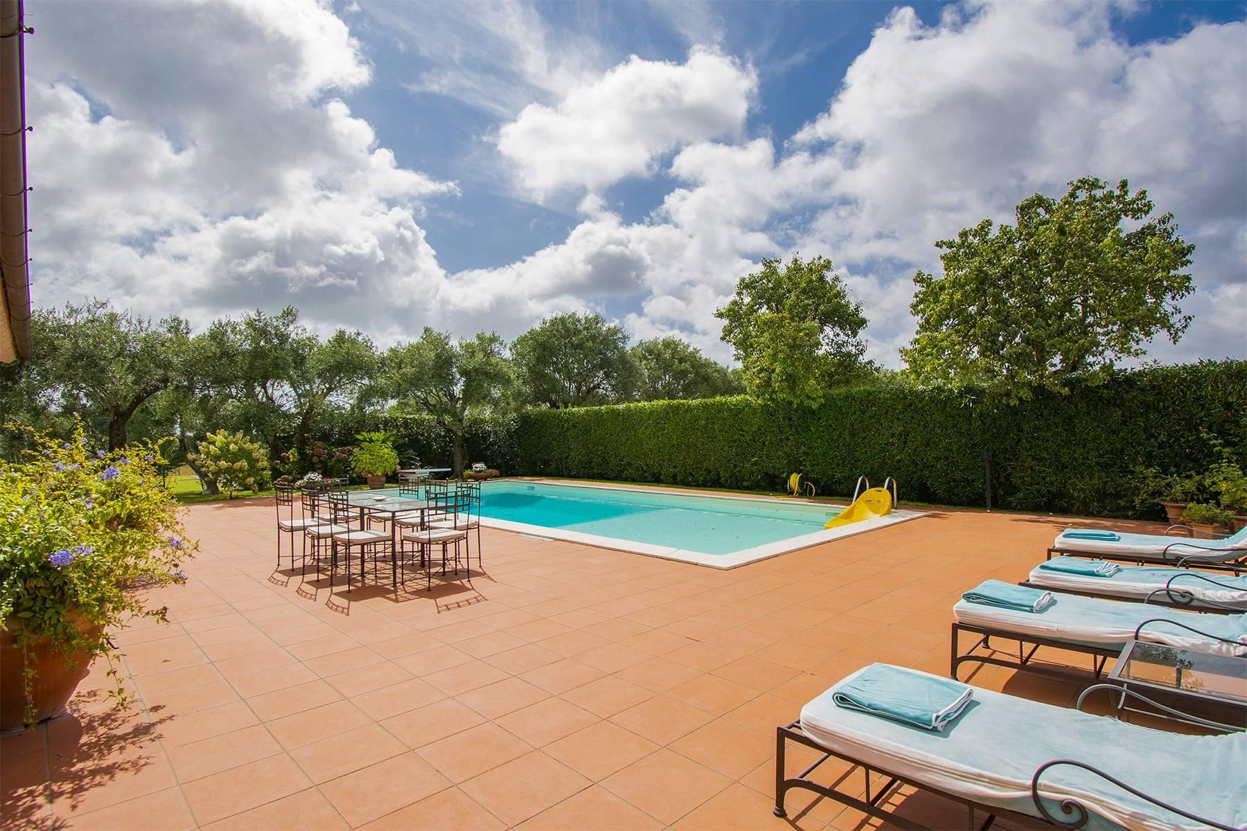 Villa with pool in Pietrasanta - 23