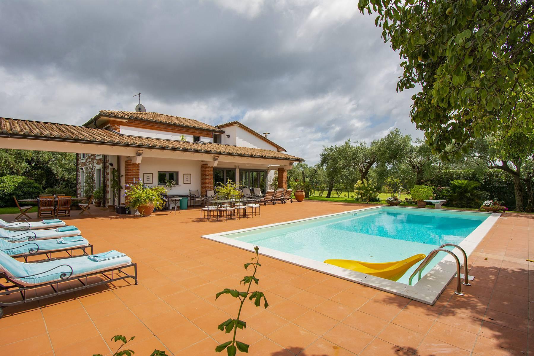 Villa with pool in Pietrasanta - 24