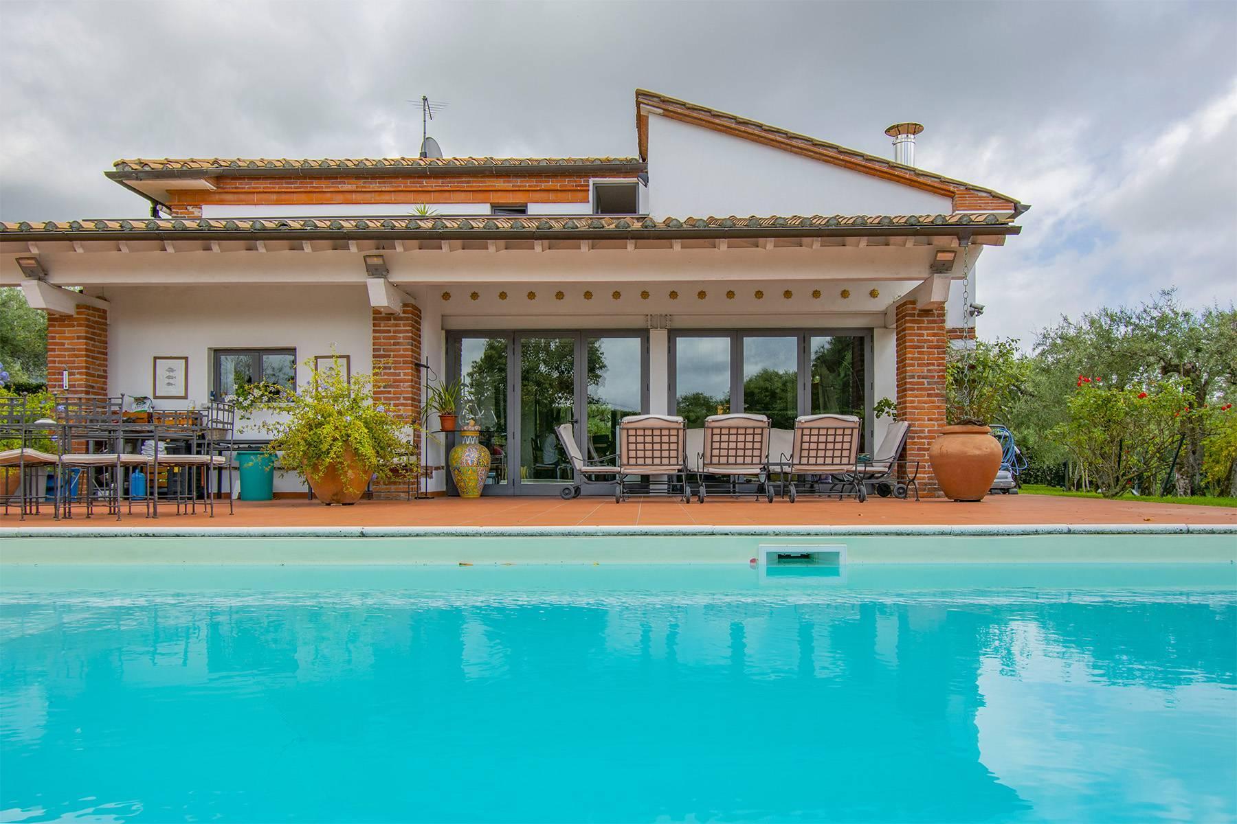 Villa with pool in Pietrasanta - 26