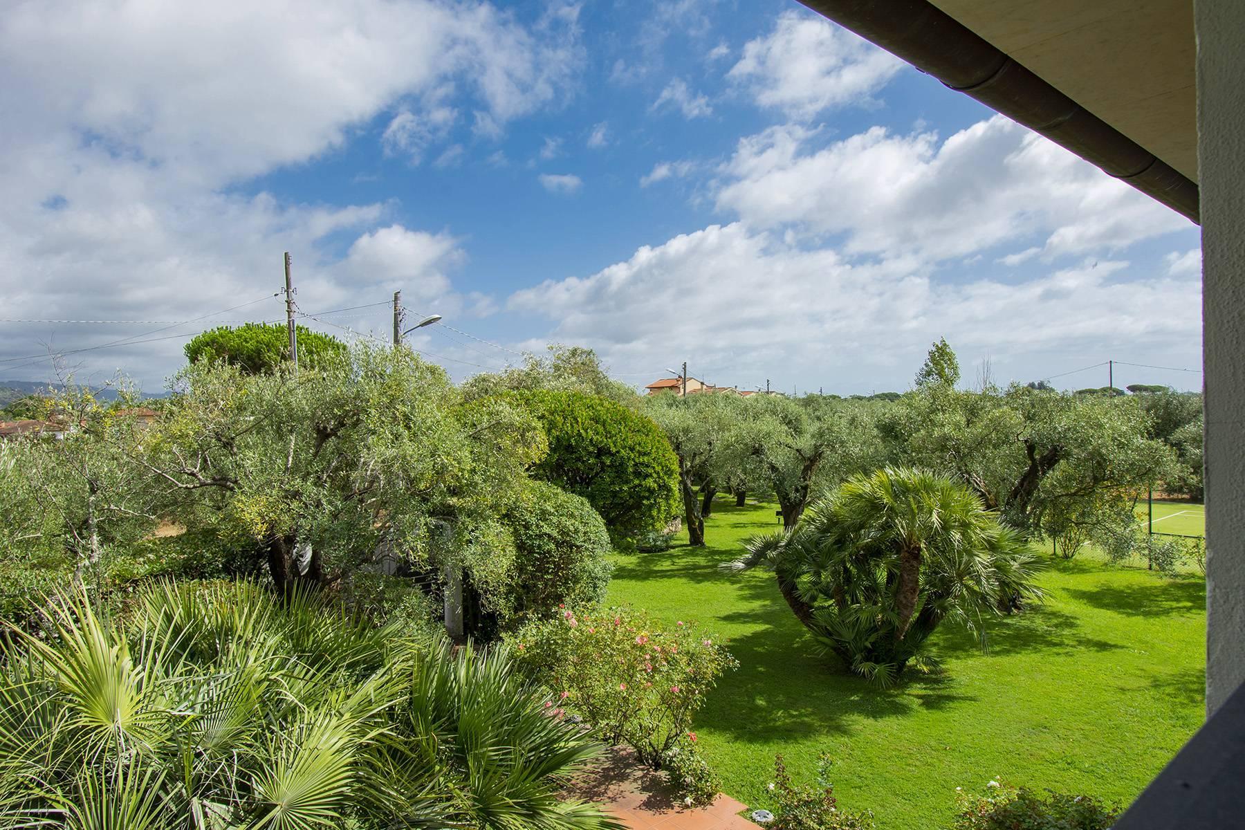 Villa with pool in Pietrasanta - 29