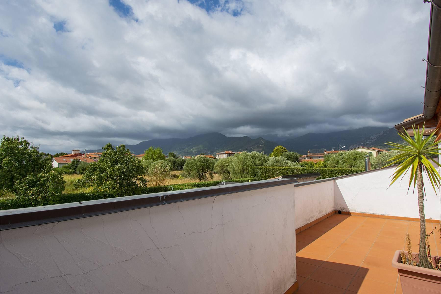 Villa with pool in Pietrasanta - 30