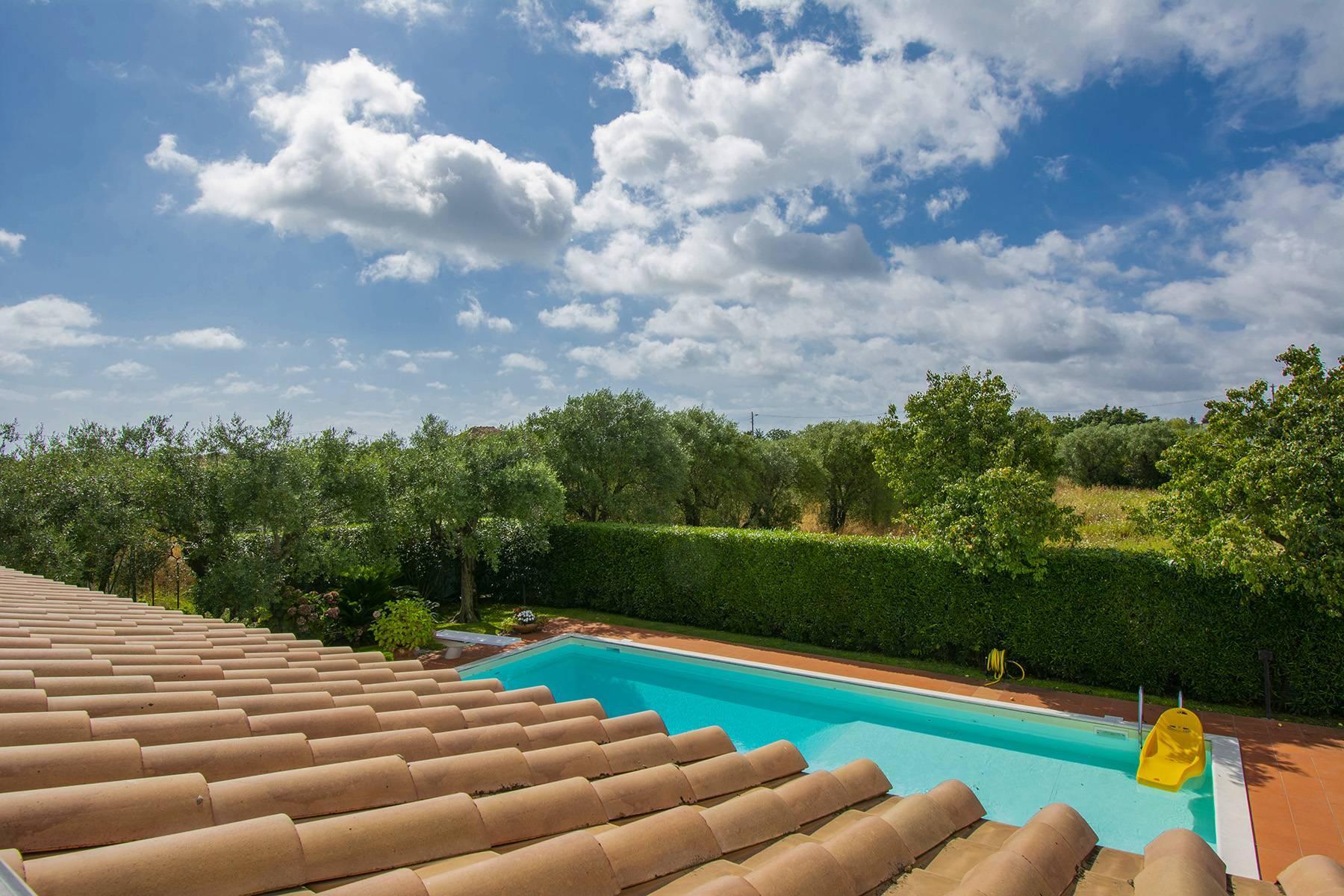 Villa with pool in Pietrasanta - 9