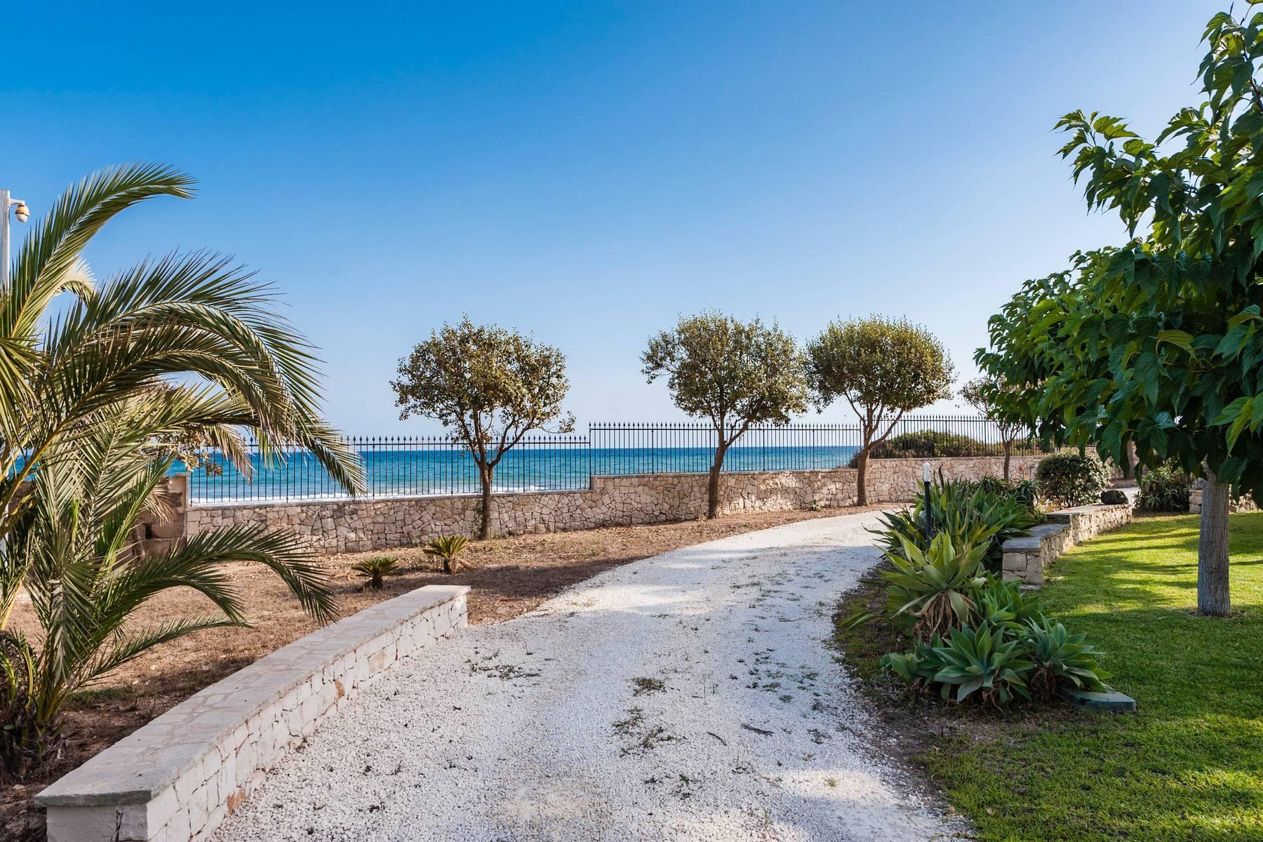 Esclusiva villa sul mare con ingresso privato in spiaggia - 4
