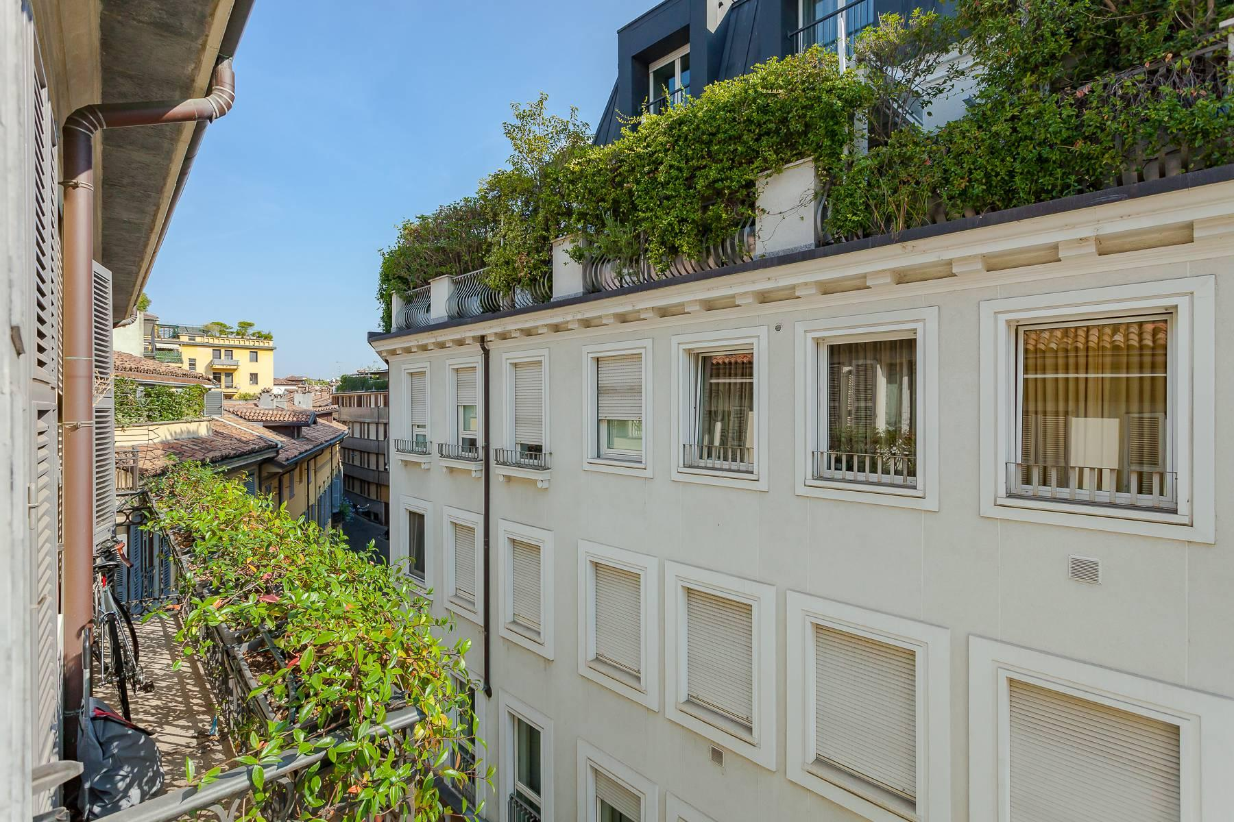 Charming penthouse with small terrace in the historic center - 2