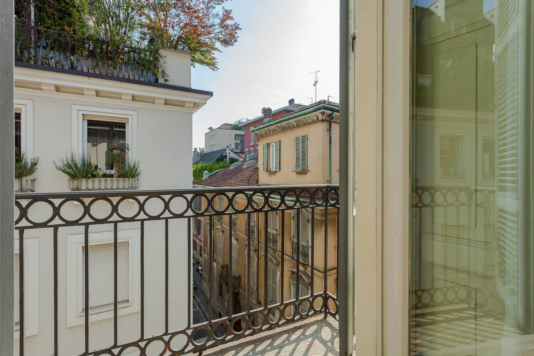 Charming penthouse with small terrace in the historic center - 3