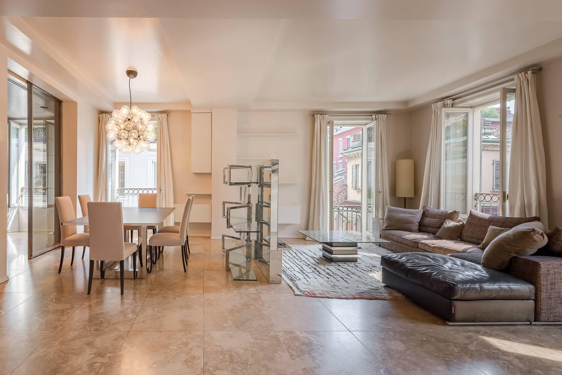 Charming penthouse with small terrace in the historic center - 4