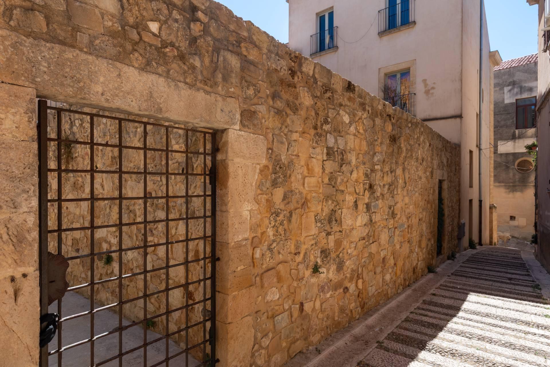 Palazzo Torralta del XVI secolo, nel cuore del centro storico di Salemi - 30