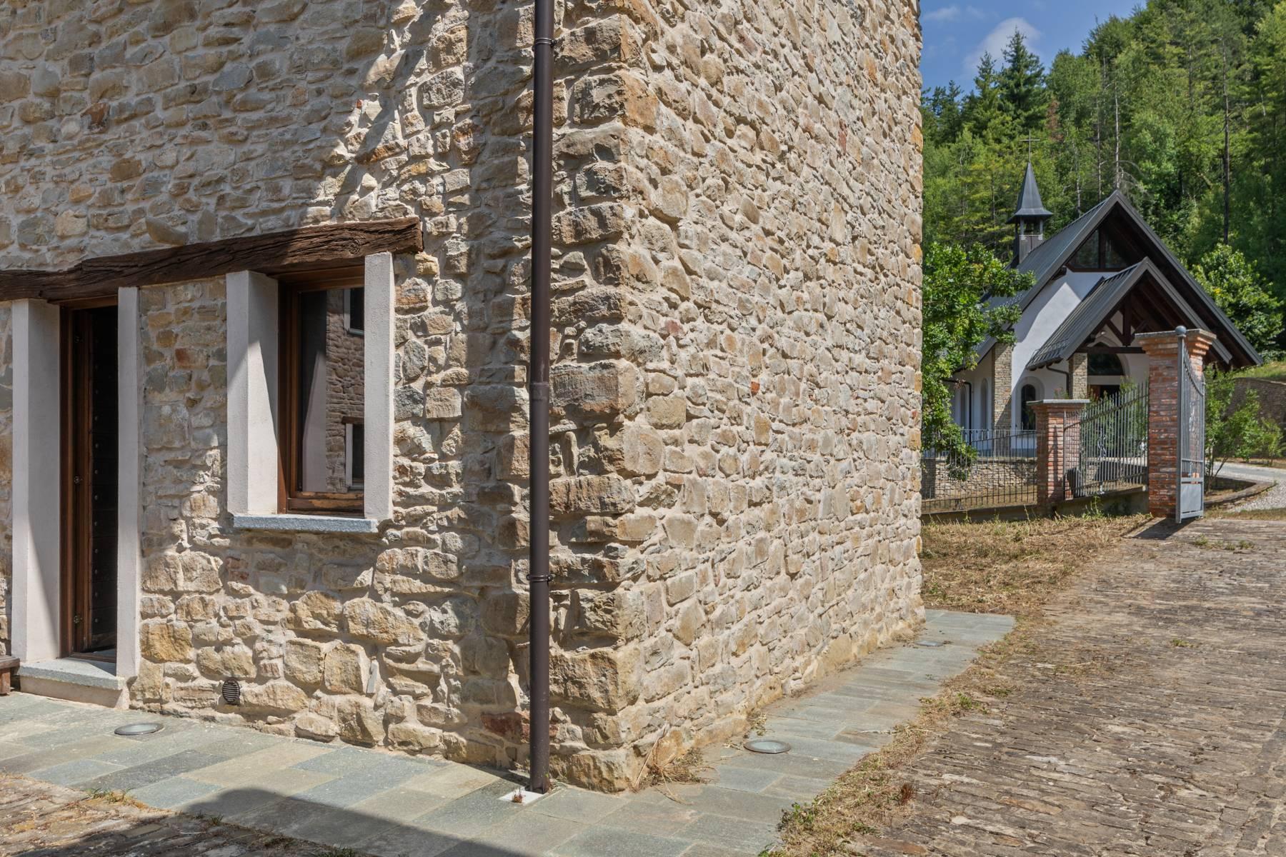 Incantevole piccolo borgo privato nelle Langhe - 20