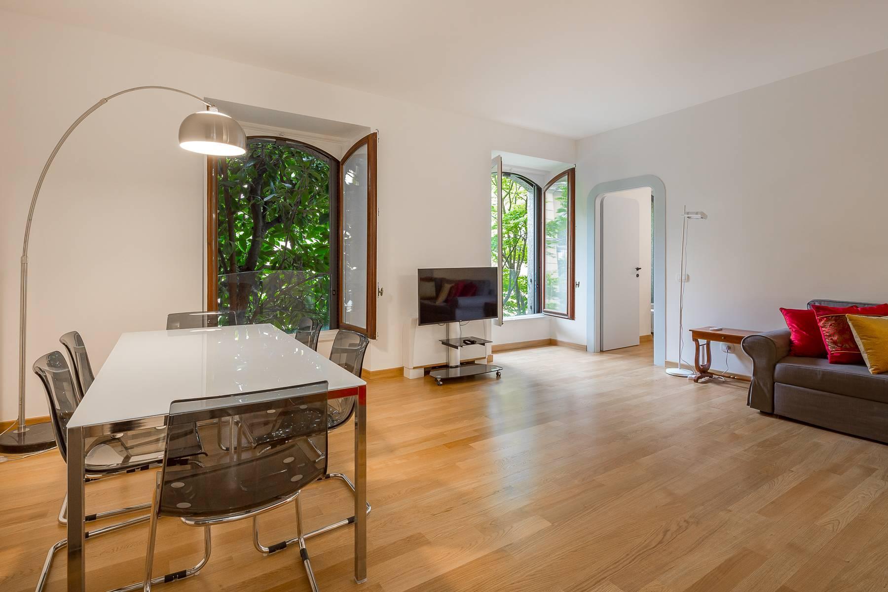 Renovierte Wohnung im eleganten antiken Gebäude - 2