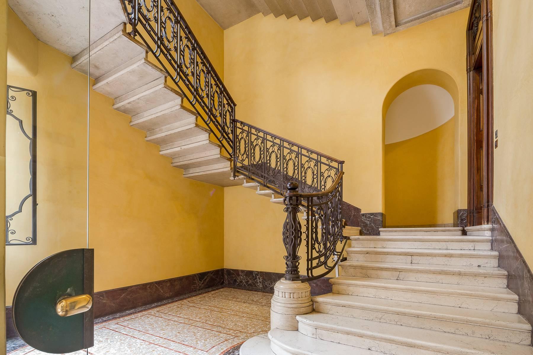 Renovierte Wohnung im eleganten antiken Gebäude - 18