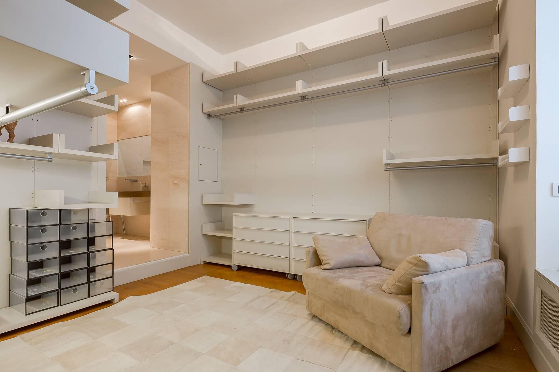 Prestigious penthouse in Piazza Mondadori of 500 square meters - 24