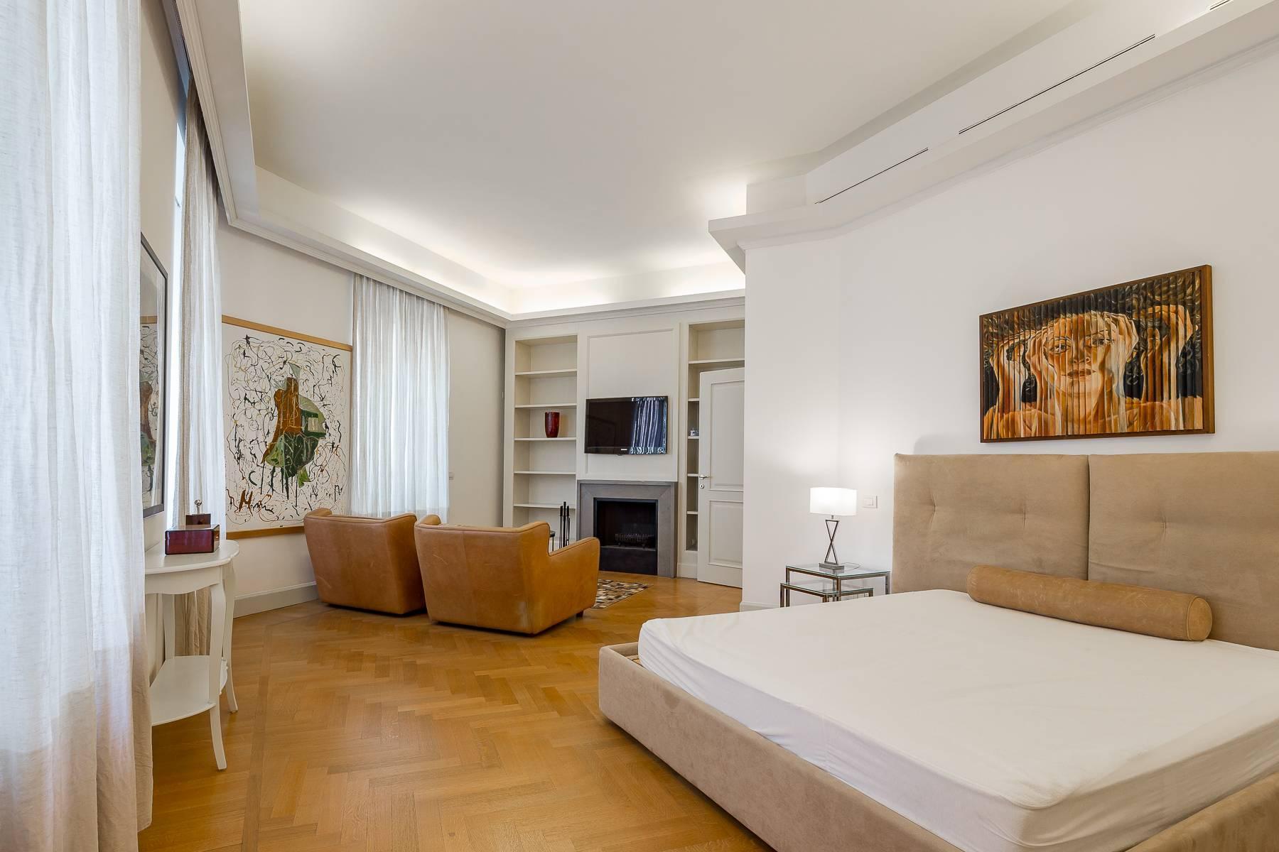 Prestigious penthouse in Piazza Mondadori of 500 square meters - 20