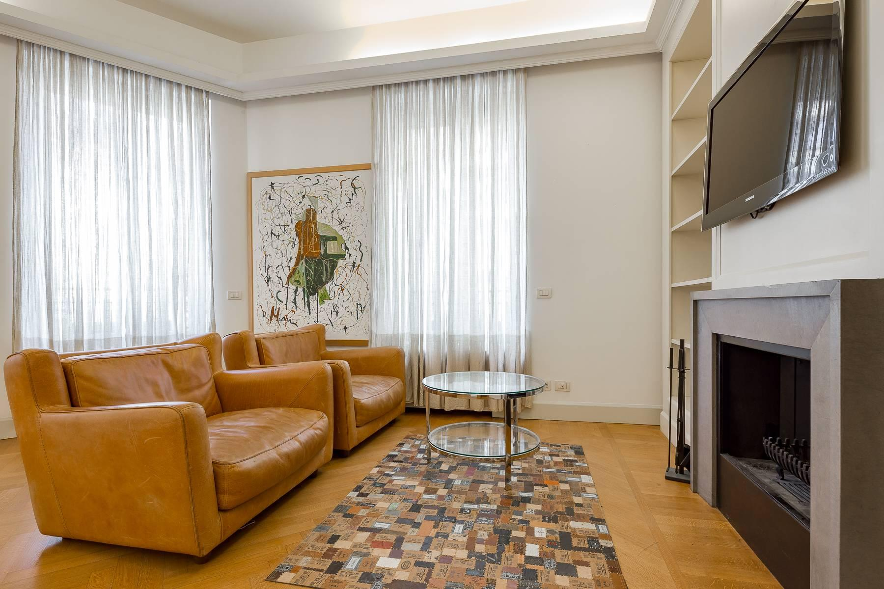 Prestigious penthouse in Piazza Mondadori of 500 square meters - 30