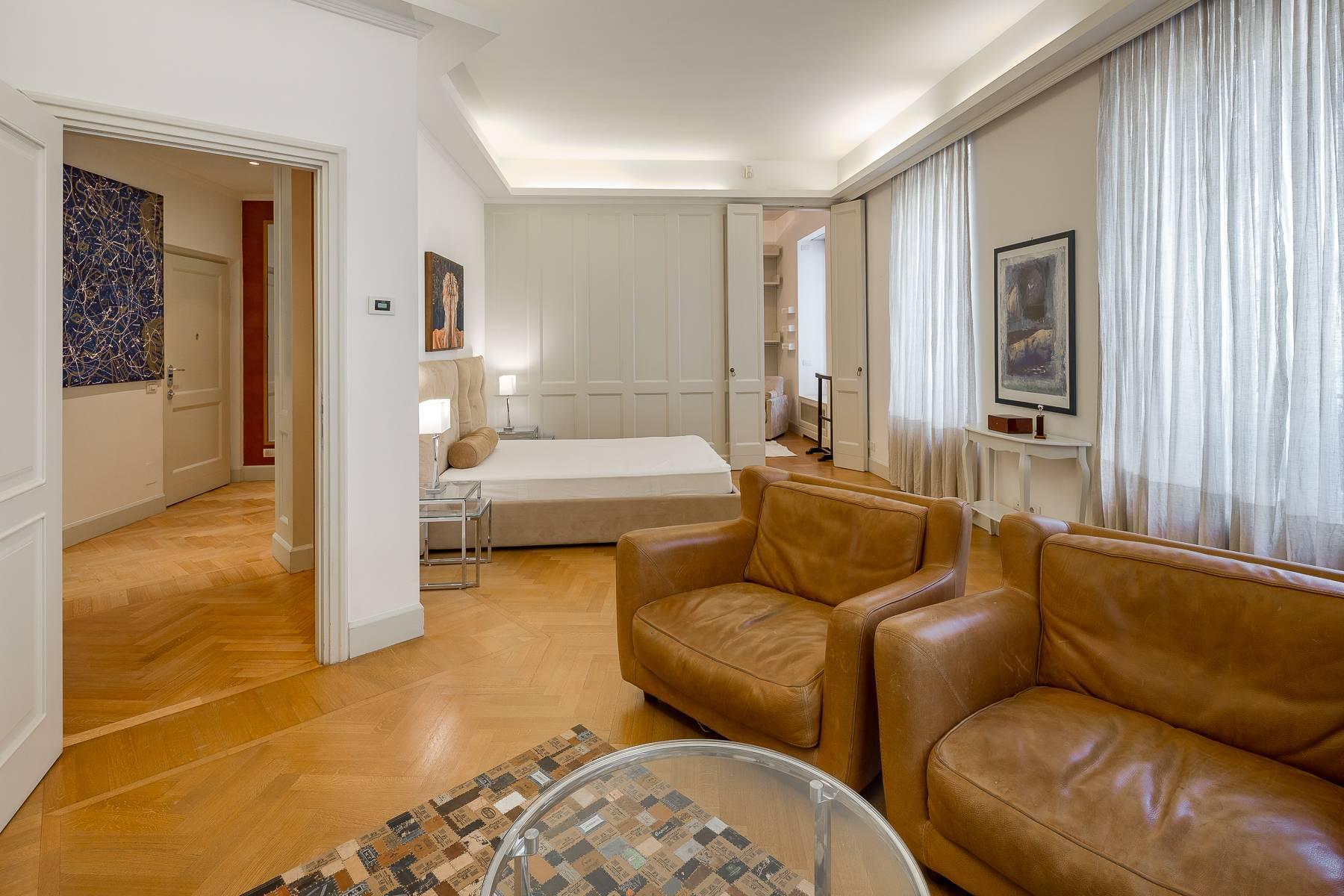 Prestigious penthouse in Piazza Mondadori of 500 square meters - 11