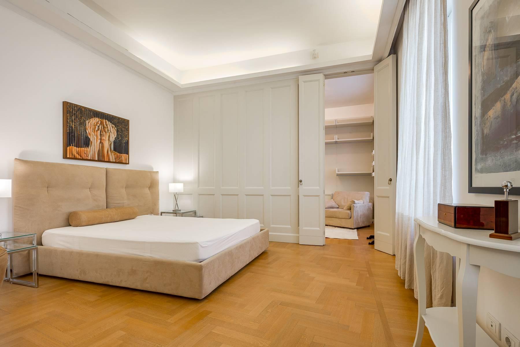 Prestigious penthouse in Piazza Mondadori of 500 square meters - 31