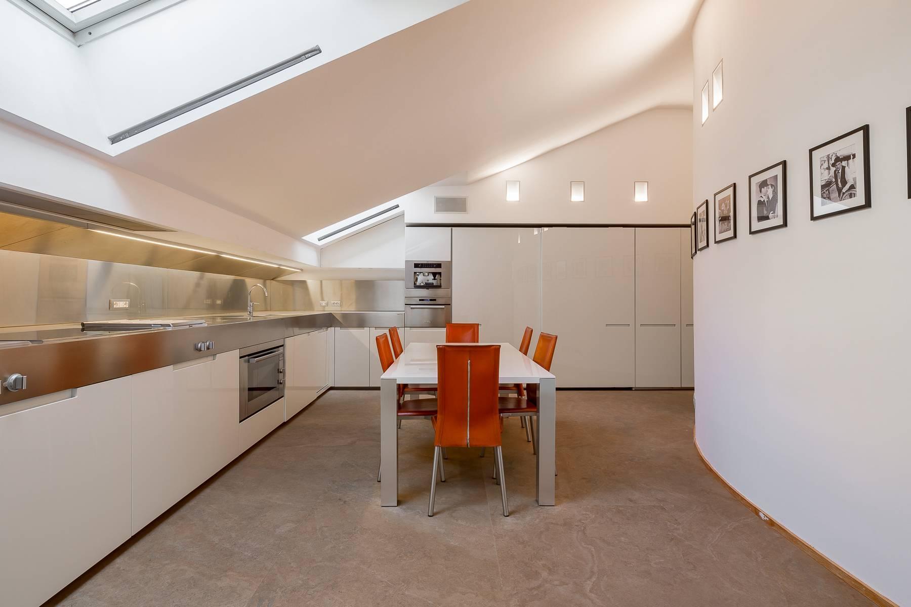 Prestigious penthouse in Piazza Mondadori of 500 square meters - 19