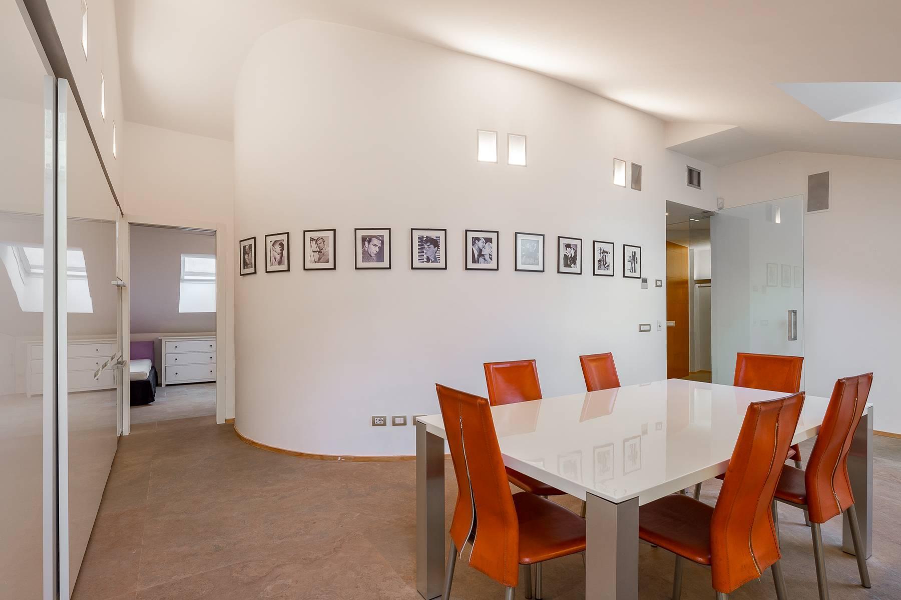 Prestigious penthouse in Piazza Mondadori of 500 square meters - 23