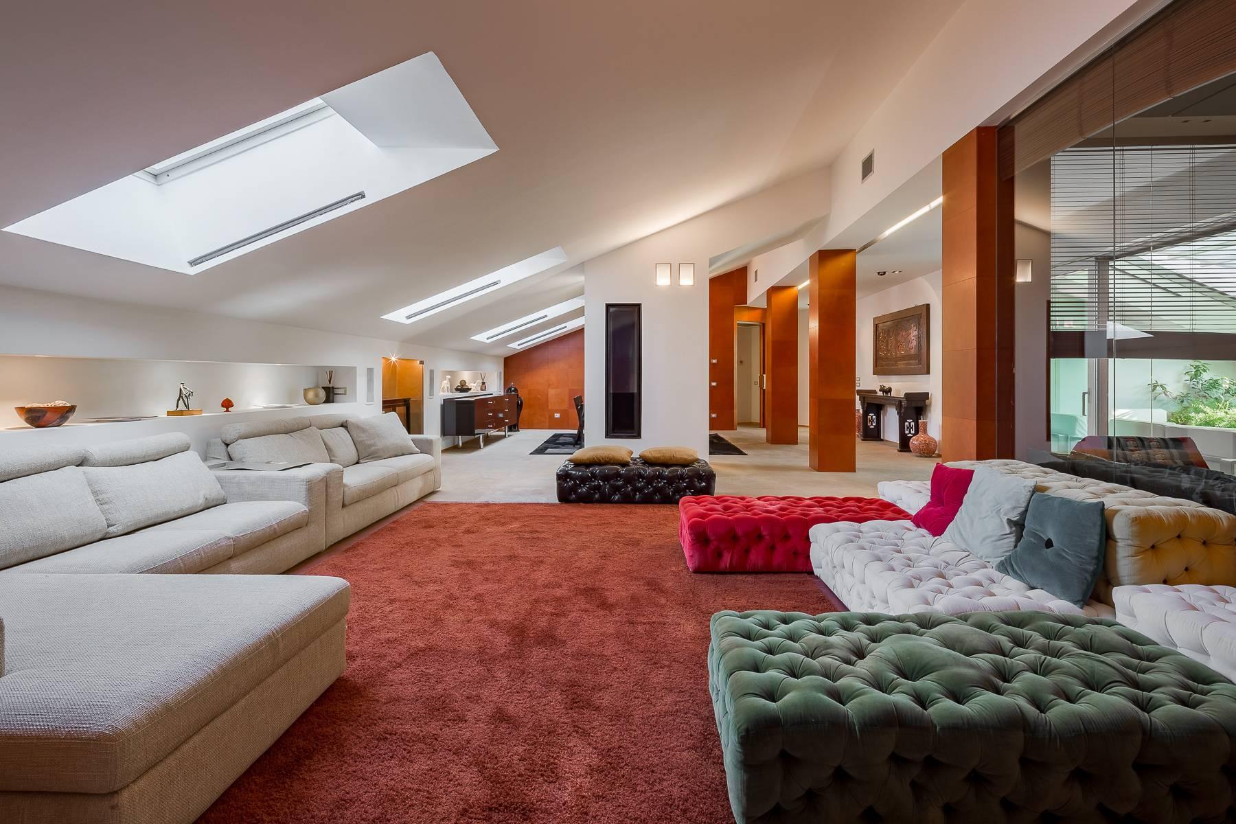 Herrliche 500 sqm Penthouse auf dem Piazza Mondadori - 3