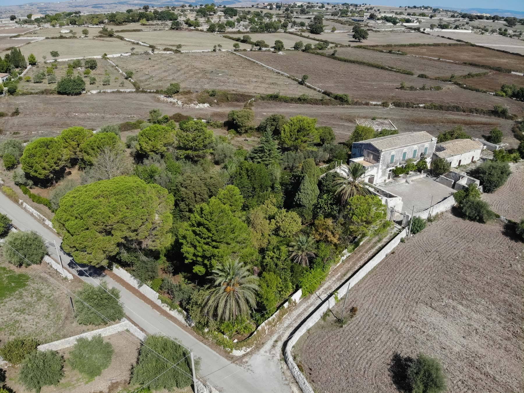 Storica Villa di campagna a Ragusa - 13
