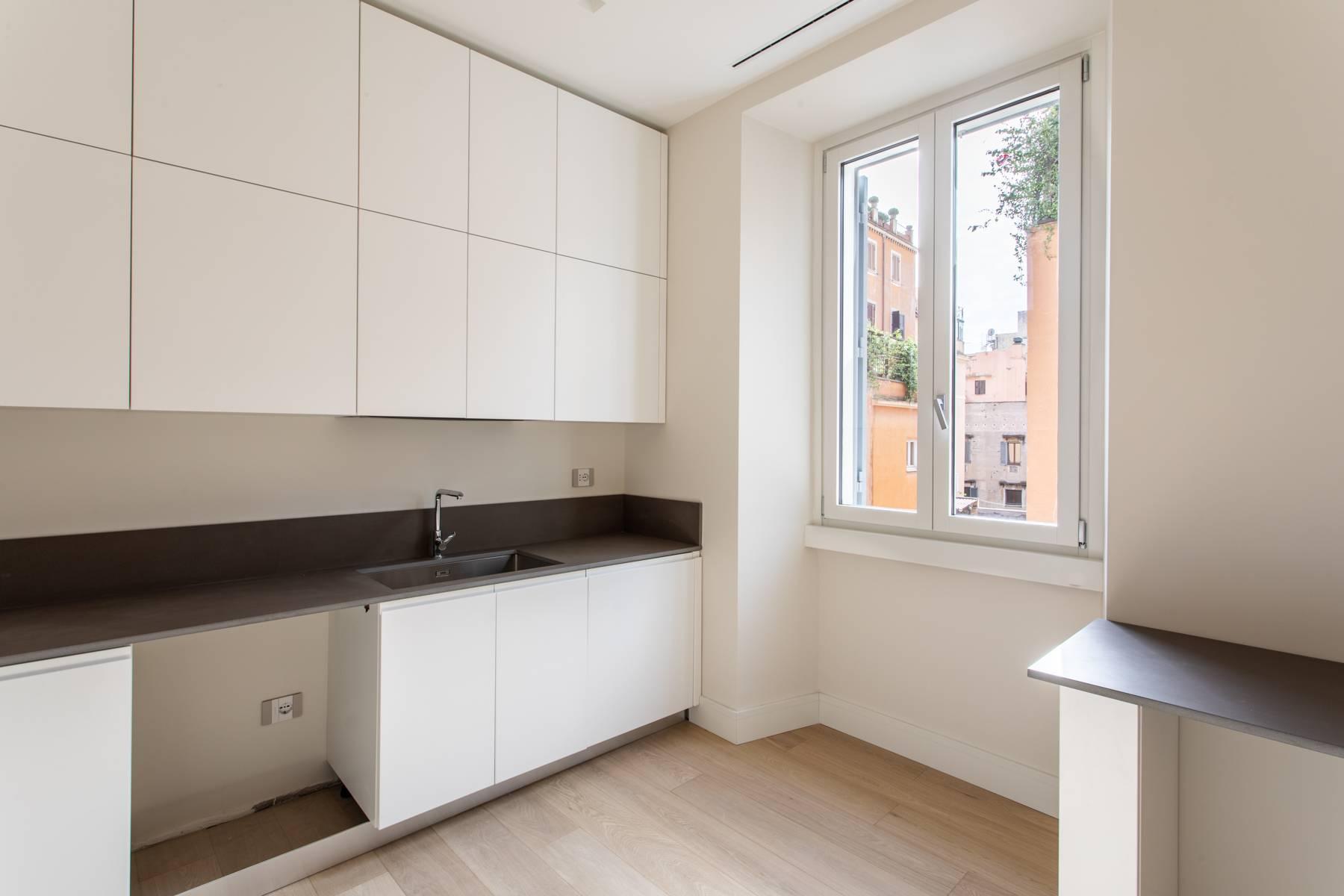 Lussuoso appartamento ristrutturato nei pressi di Piazza di Spagna - 5