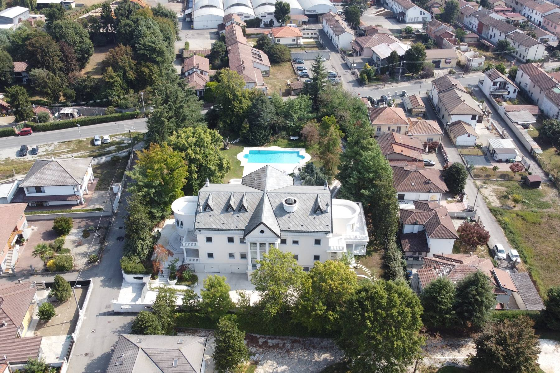 Lussuosa villa neoclassica con ampio parco e piscina - 41