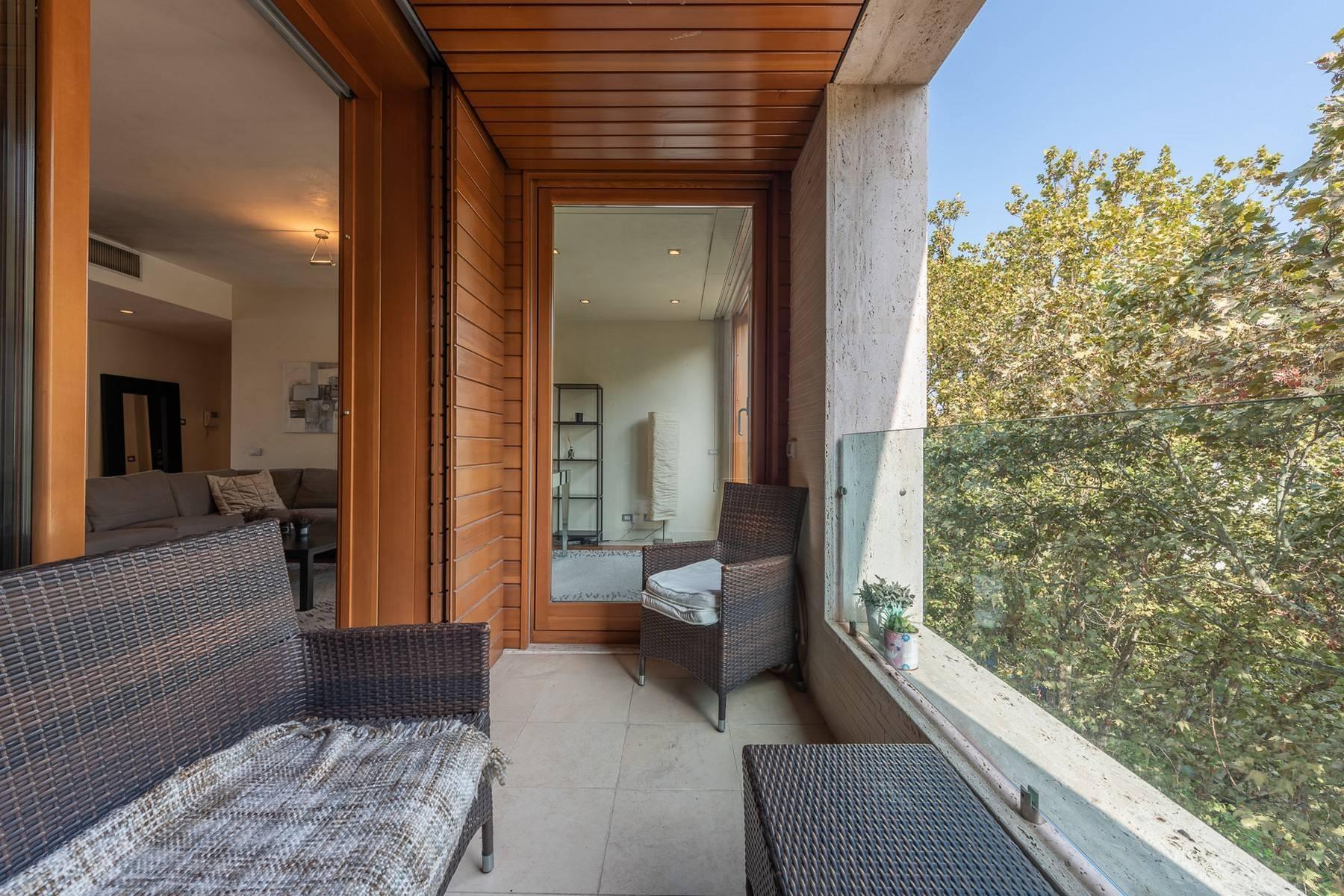 Splendido e luminoso appartamento con terrazzo loggiato - 12