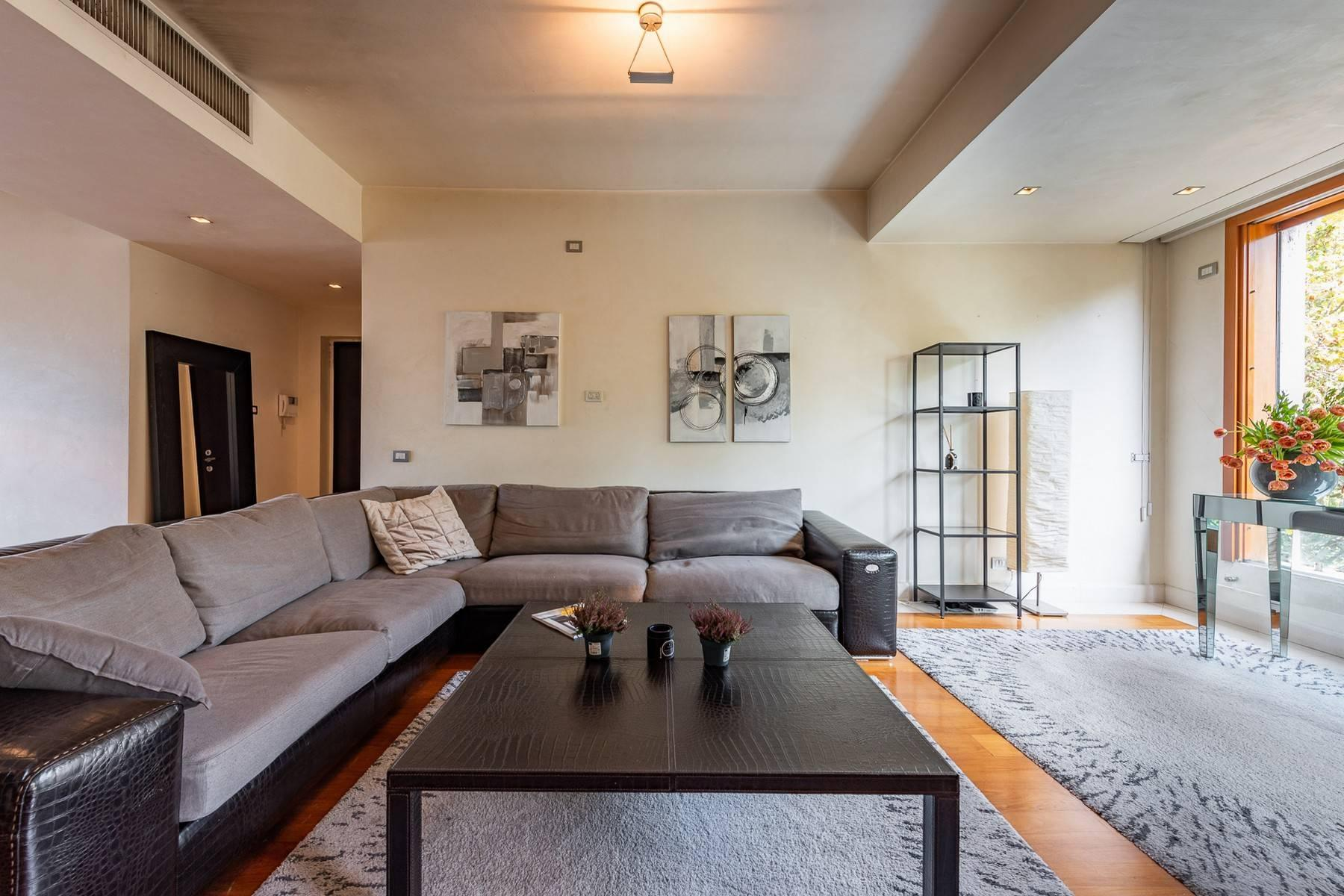 Delightful and bright apartment with large loggia - 6