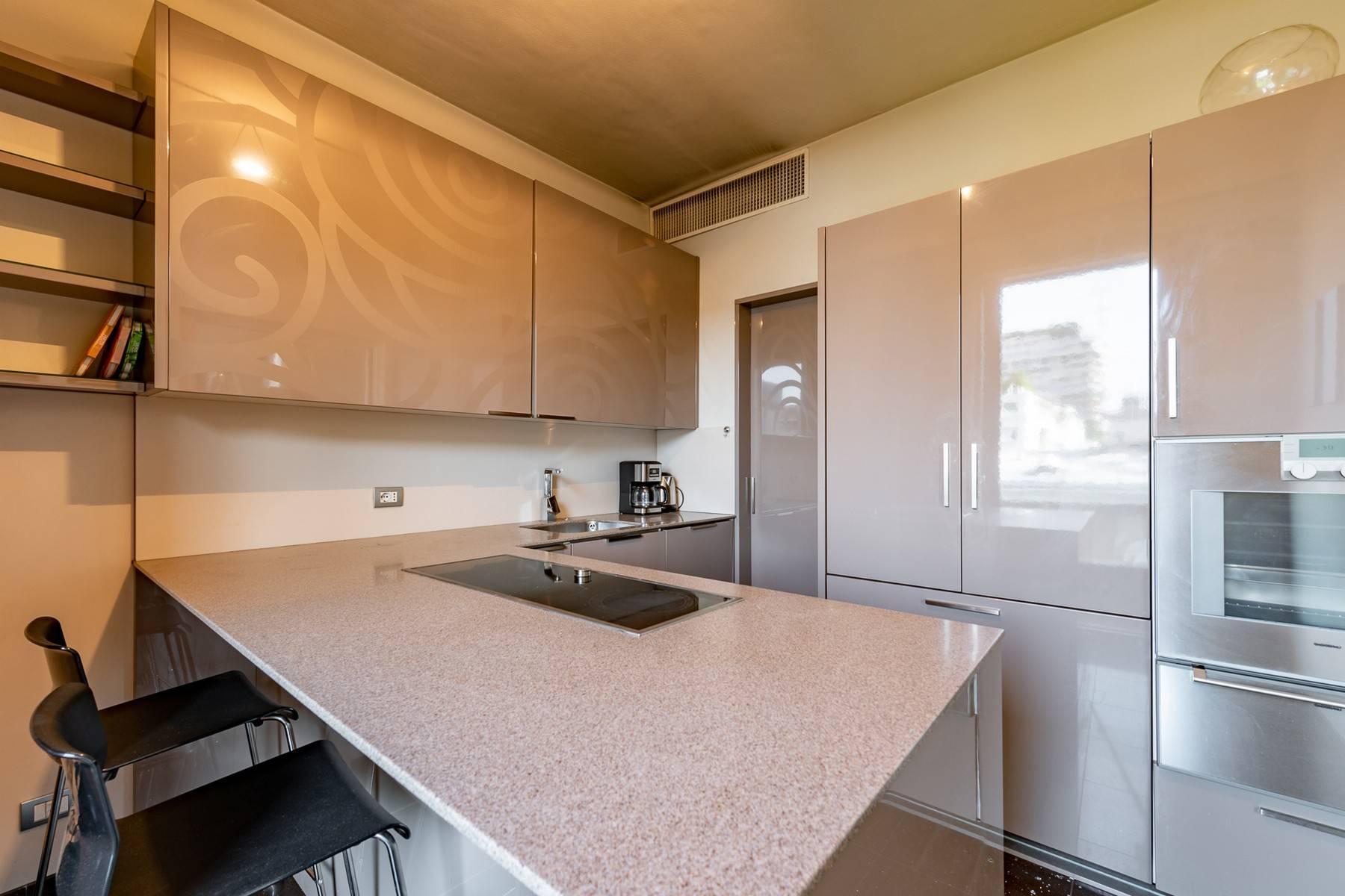 Splendido e luminoso appartamento con terrazzo loggiato - 10
