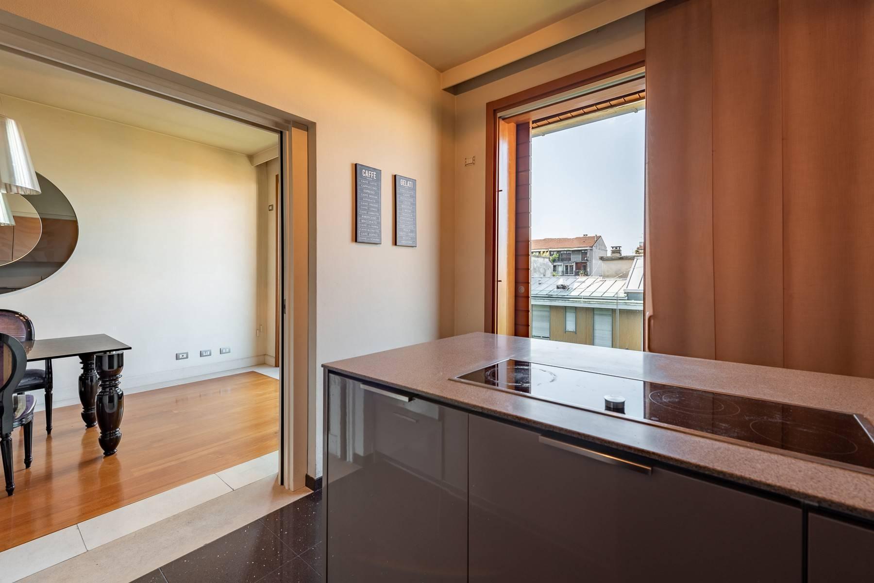 Splendido e luminoso appartamento con terrazzo loggiato - 15