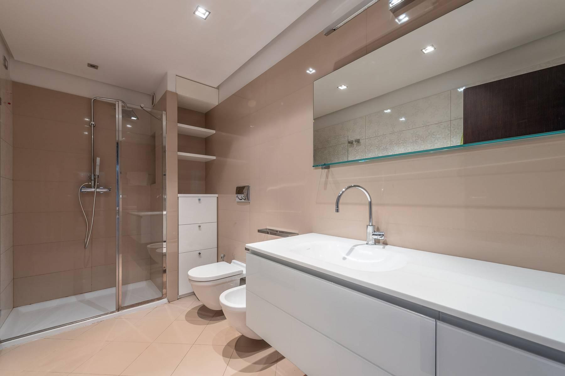 Splendido e luminoso appartamento con terrazzo loggiato - 18