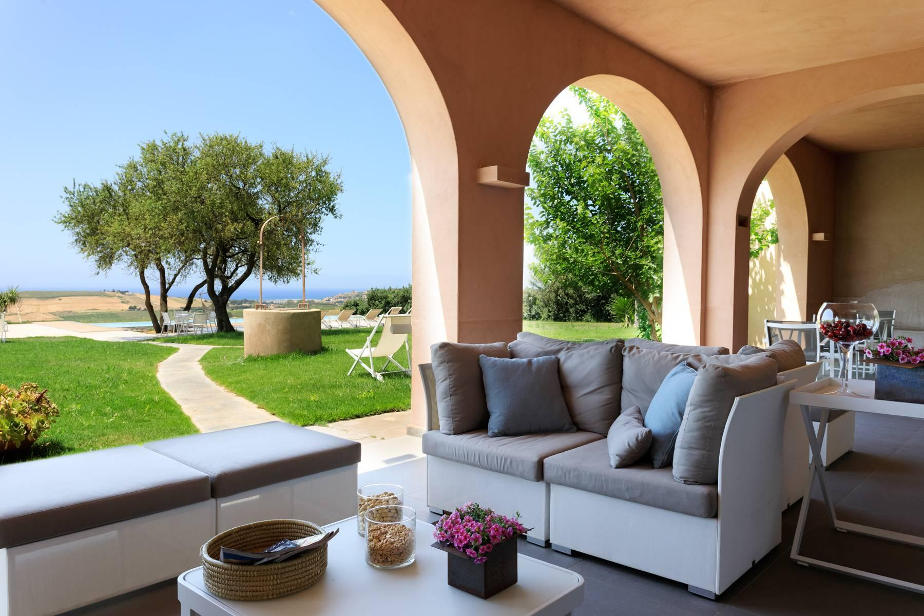 Elegant Sea View Farmhouse surrounded by olive trees in Menfi - 6