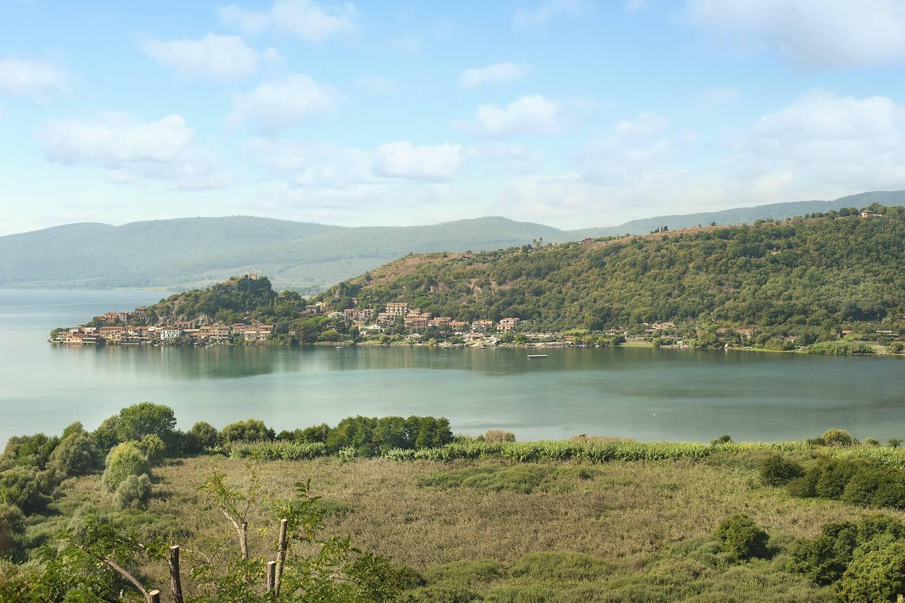 Moderna villa panoramica sul lago di Trevignano - 18