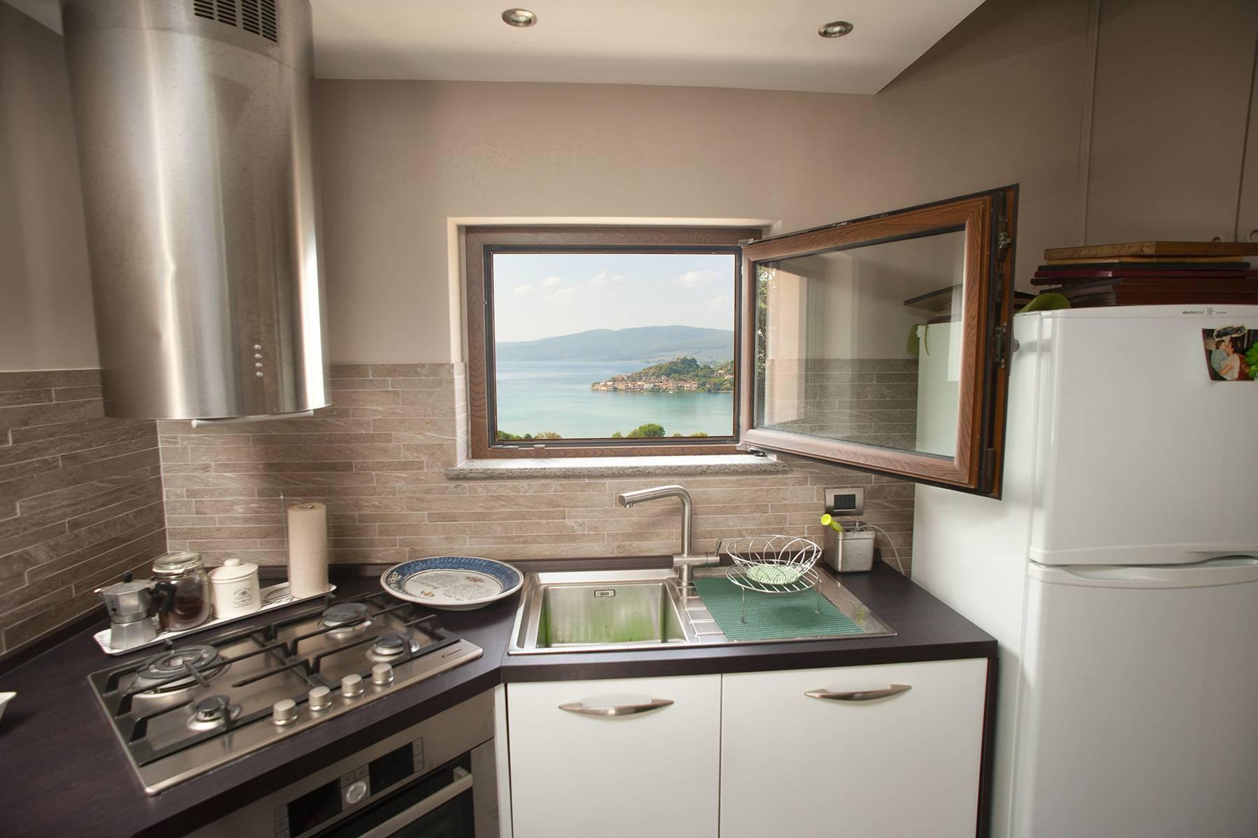 Moderna villa panoramica sul lago di Trevignano - 9