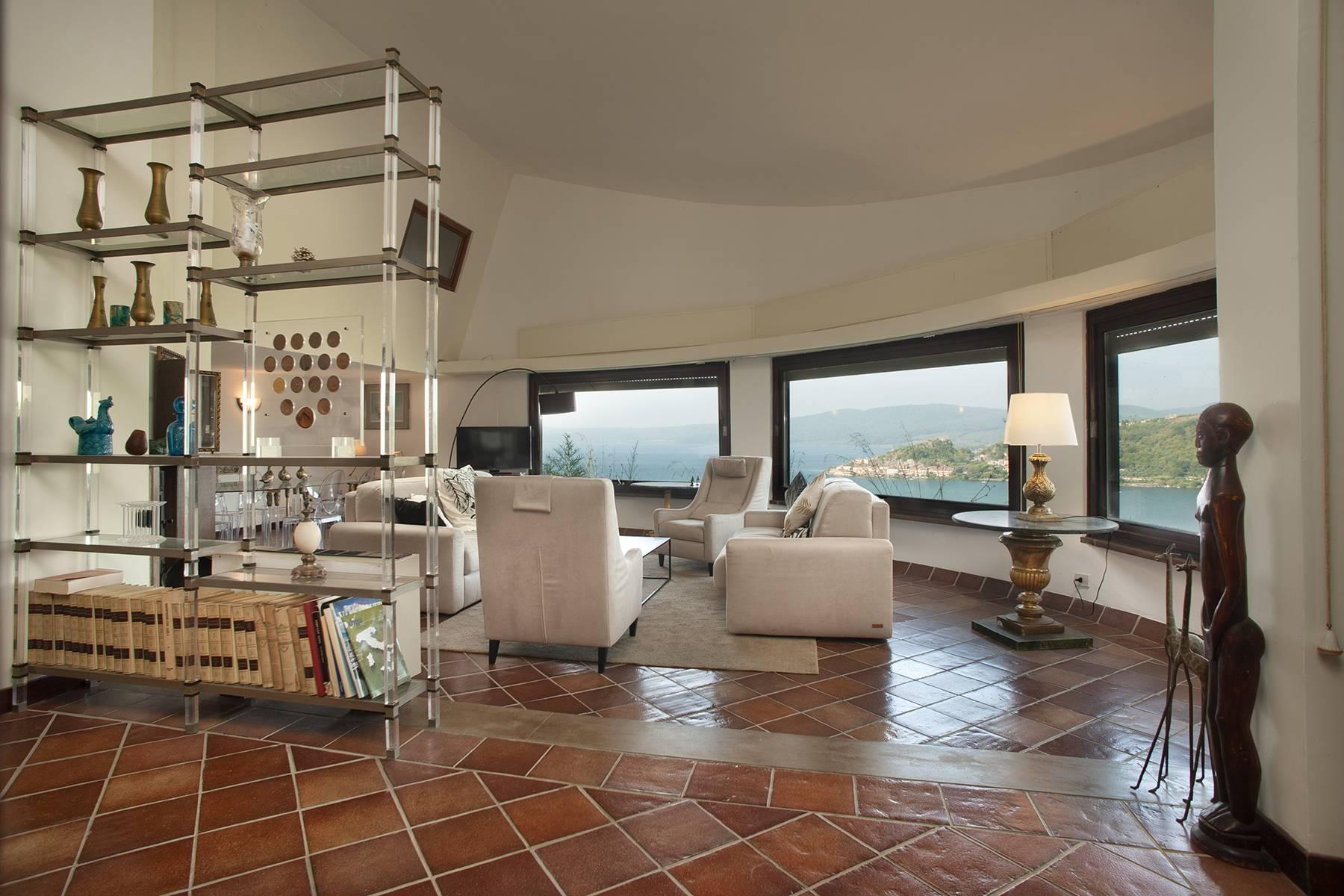 Moderna villa panoramica sul lago di Trevignano - 3